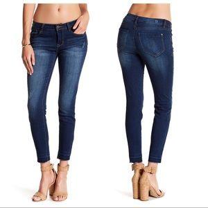 Kensie | Skinny Jeans Released Raw Frayed Hem 10